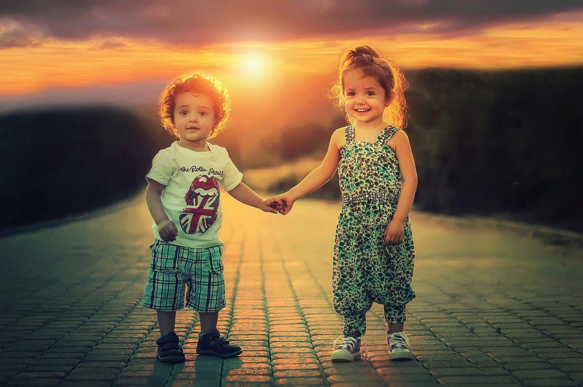 Помогнете на децата ни да се чувстват добре за себе си и създайте положителни спомени за по-късно